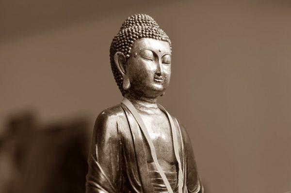 神』と『仏』の違いとは? 気になる力と種類について ☆ | 違い.net